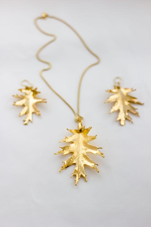 Колие и обеци от позлатени дъбови листа