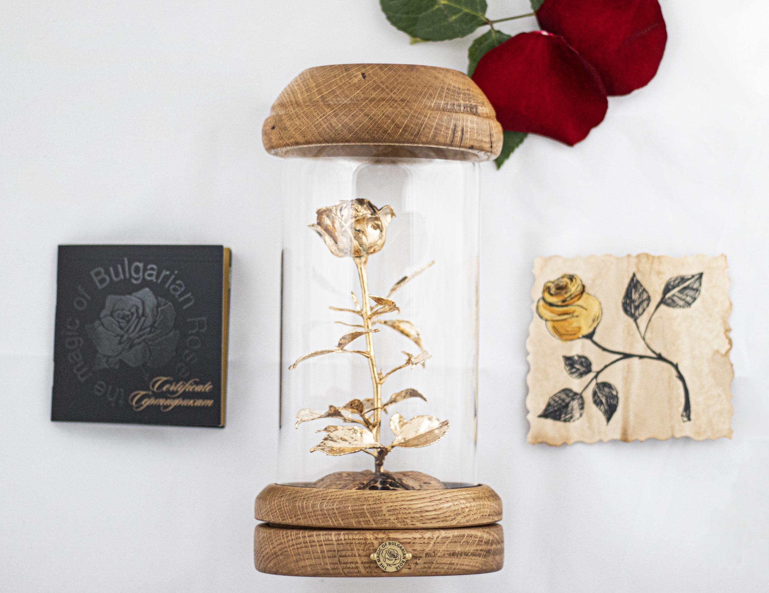 Позлатена роза